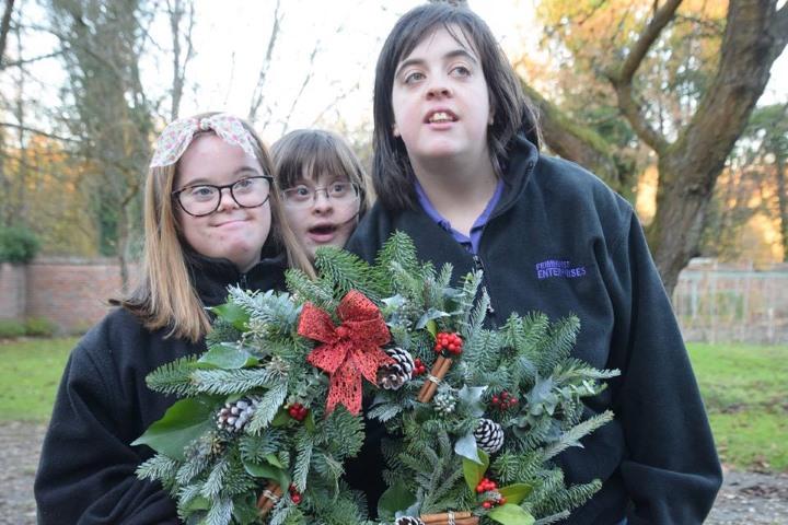 FE Xmas Wreaths